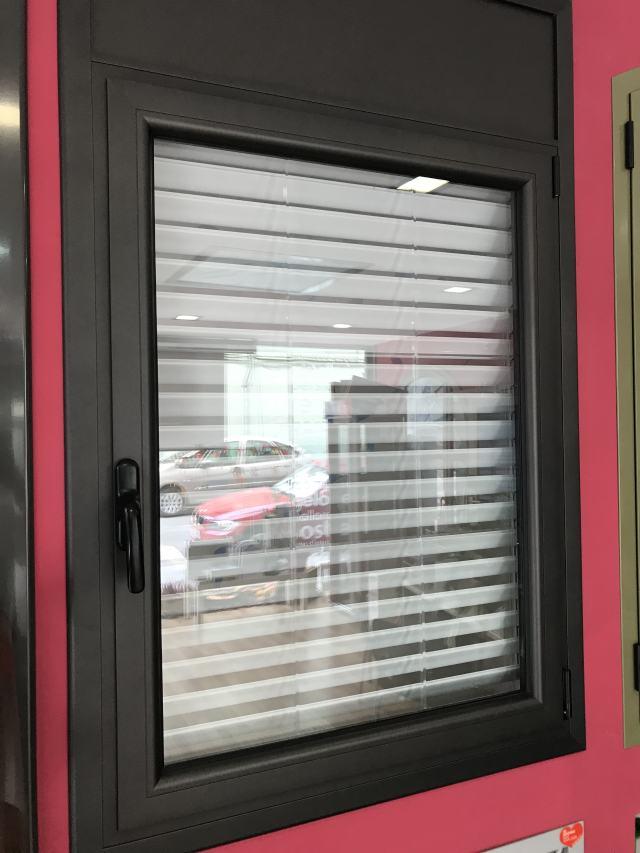 ventana practicable de una hoja