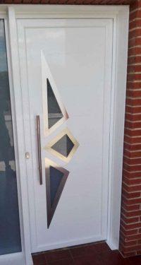 Limpiar la superficie de puertas de aluminio de todo tipo