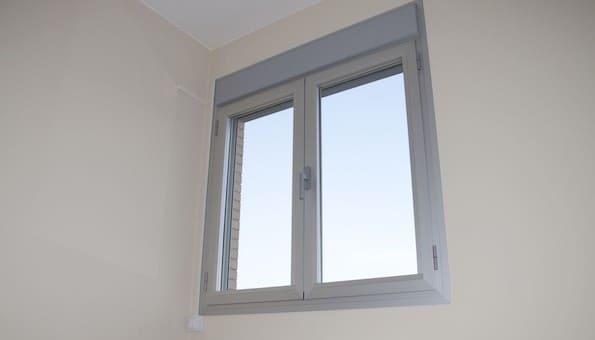Fase para pintar las ventanas en aluminio